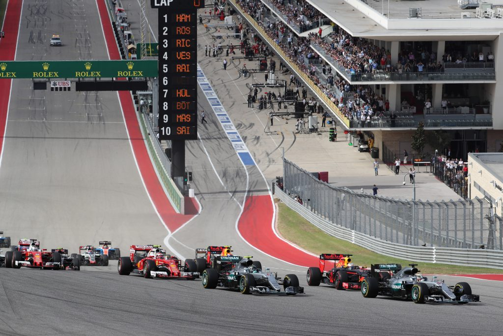 2016 Hamilton leads pack at Austin